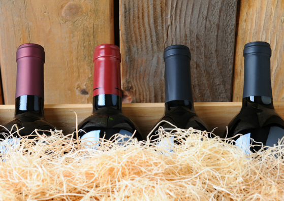 wine-bottles-wooden-box.png